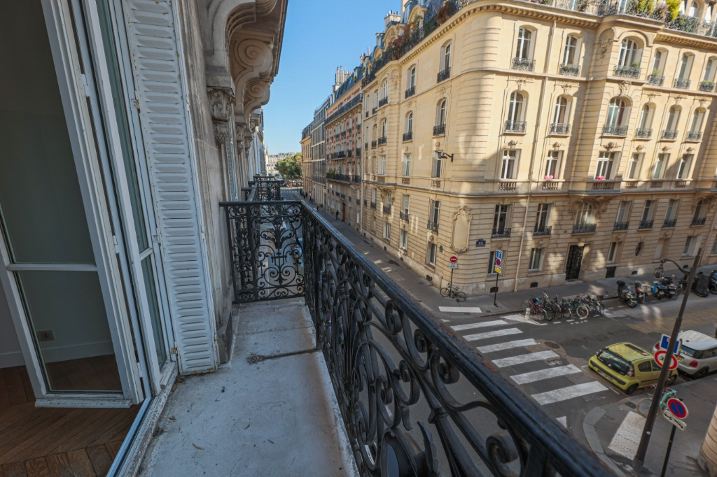 Paris 7th Apartment – 3/4 Rooms 91 m2 3