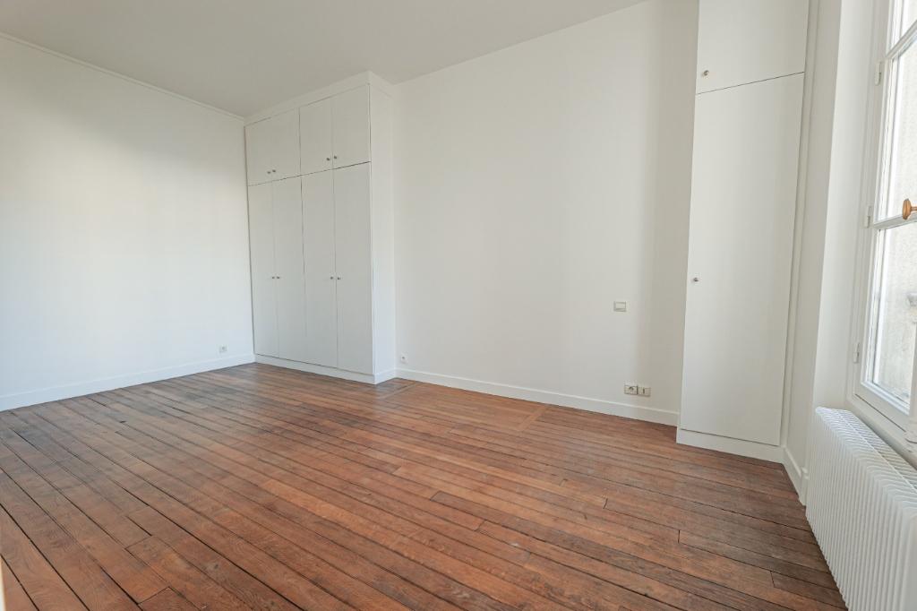 Paris 7th Apartment – 3/4 Rooms 91 m2 4