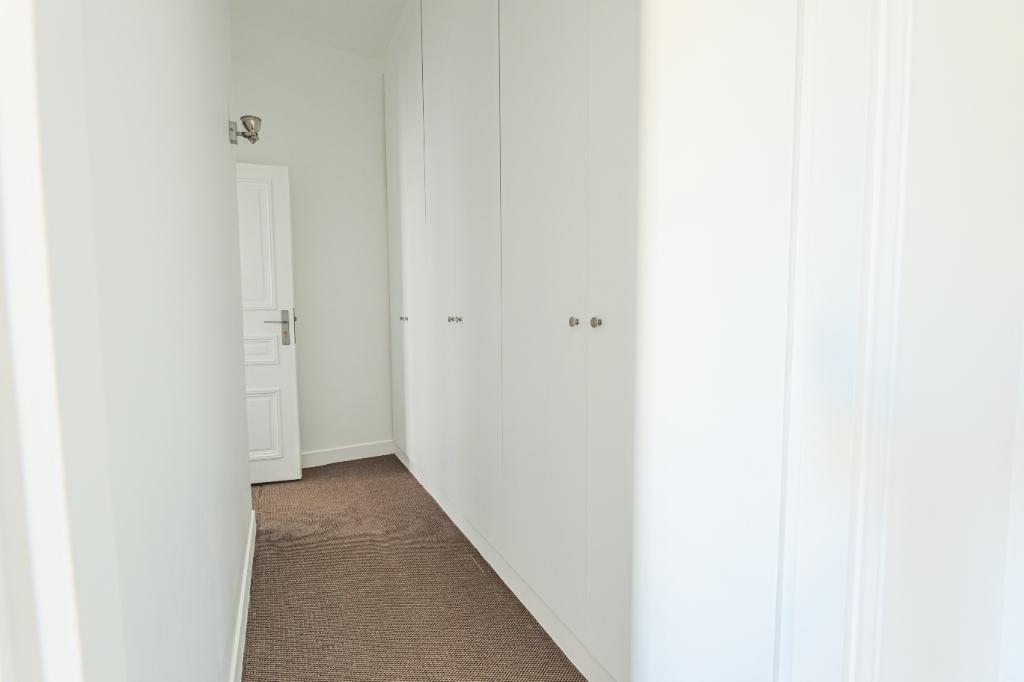 Paris 7th Apartment – 3/4 Rooms 91 m2 5