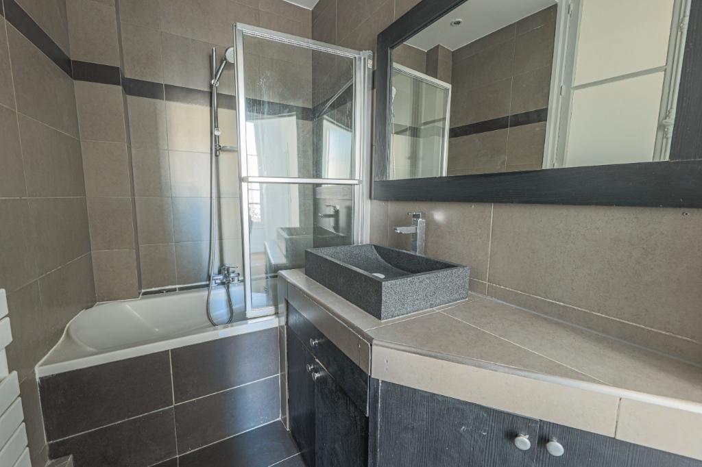 Paris 7th Apartment – 3/4 Rooms 91 m2 8