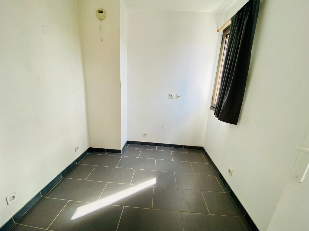 Two rooms of 29 m² – Courbevoie 4