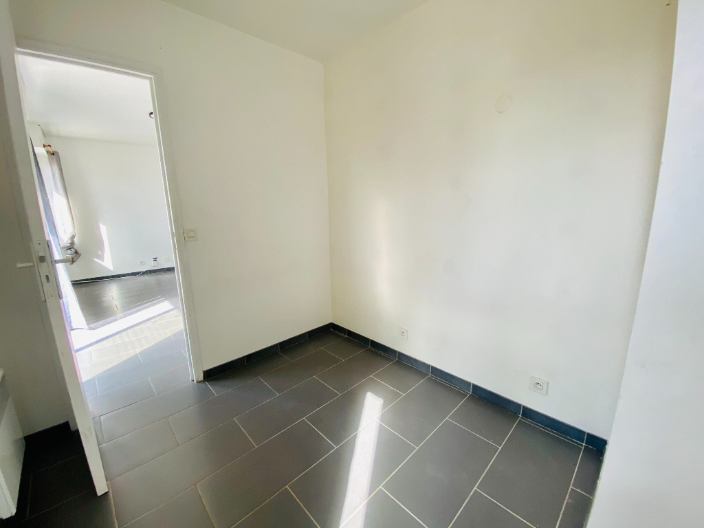 Two rooms of 29 m² – Courbevoie 5