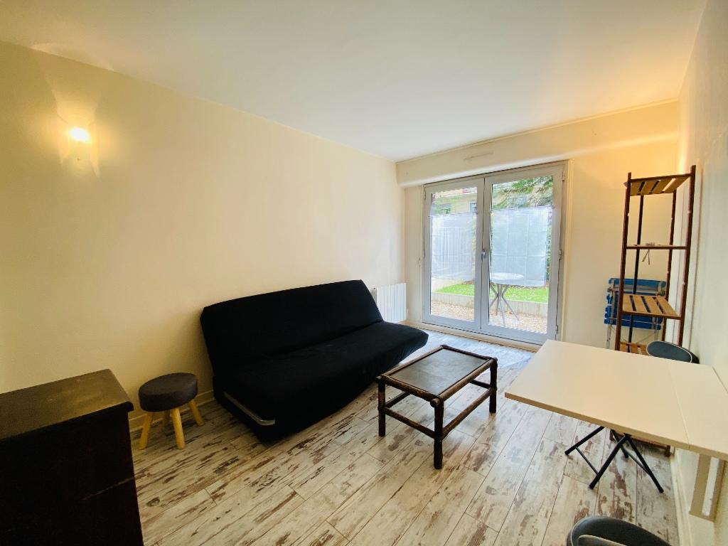 Apartment Paris 1 room 22 m² 1