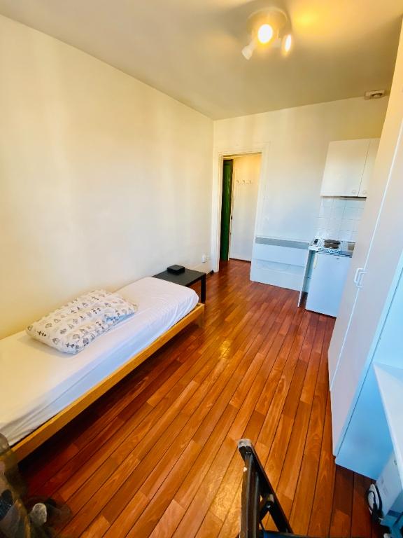 Apartment Paris 1 room (s) 14.28 m2 2