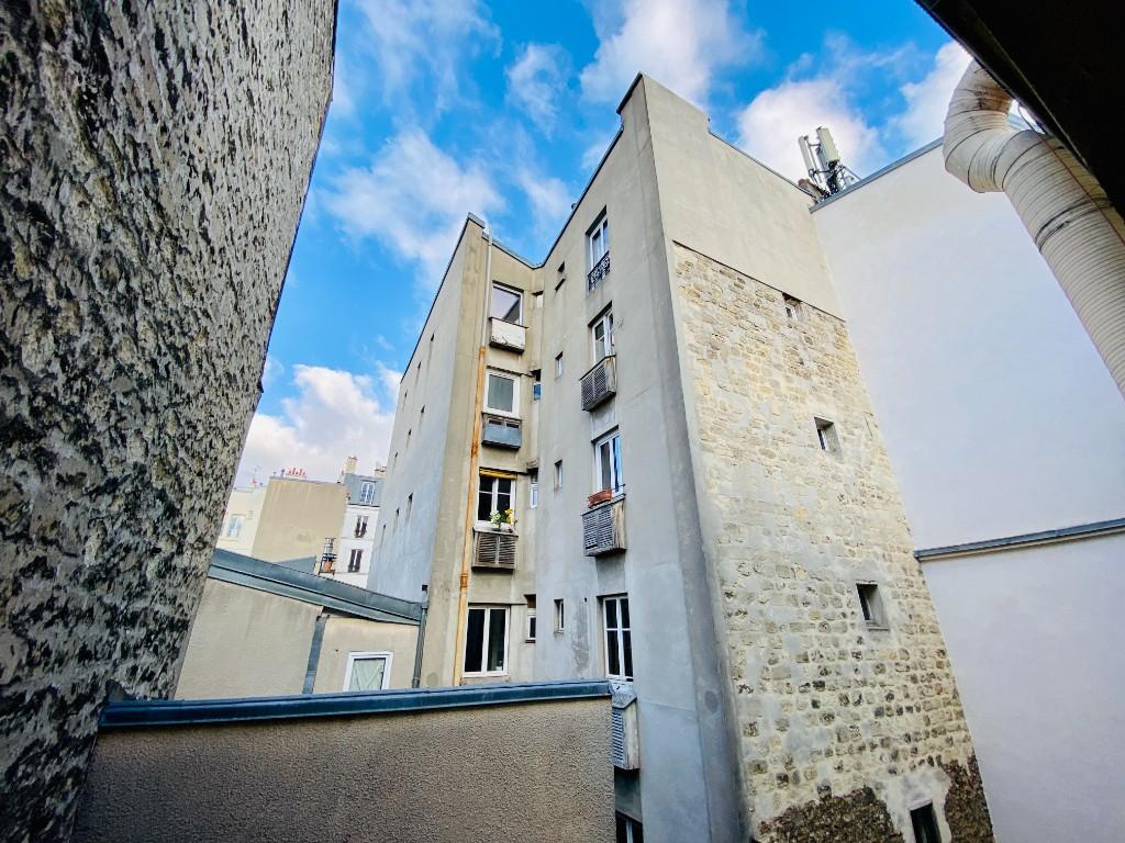 Montmartre studio vide 1
