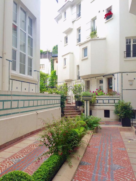 Avenue Junot – dernier étage 7