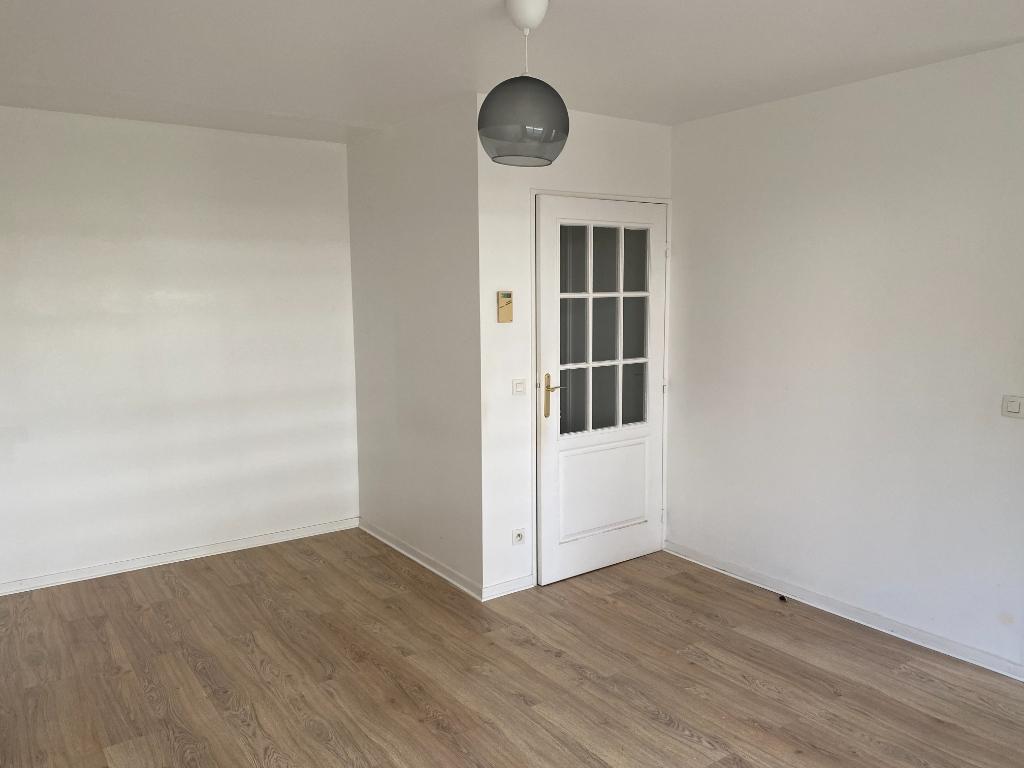 Appartement Courbevoie 1 pièce(s) 26.22 m2 2