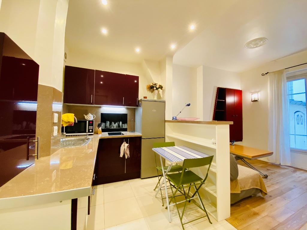 1/2 rooms – 23m² – Paris 18th – ABBESSES 3