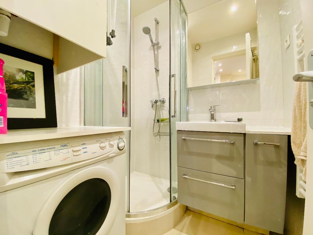 1/2 rooms – 23m² – Paris 18th – ABBESSES 9