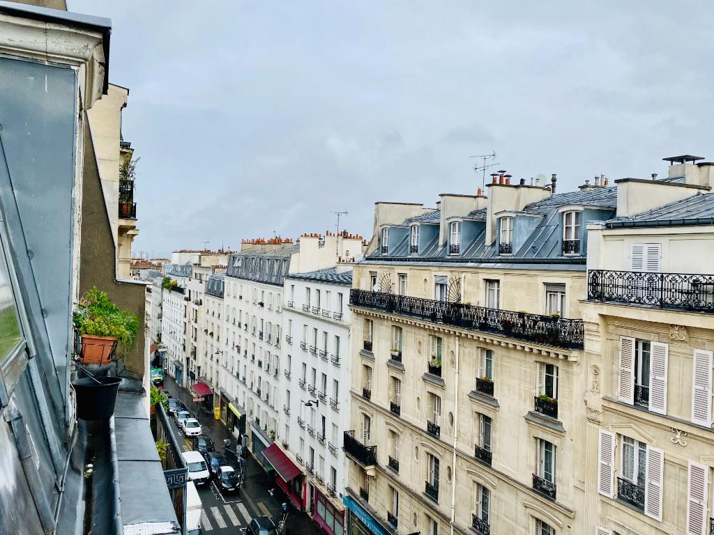 Paris apartment 2 rooms – PARIS XVIII 4