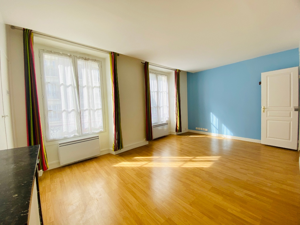 2P of 35m² in the heart of the Abbesses 5