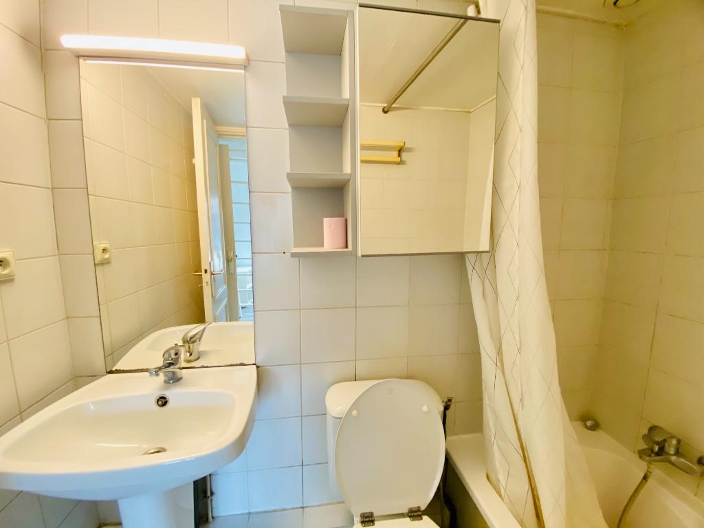 Apartment PARIS – T1-T2 39m² Stalingrad 8