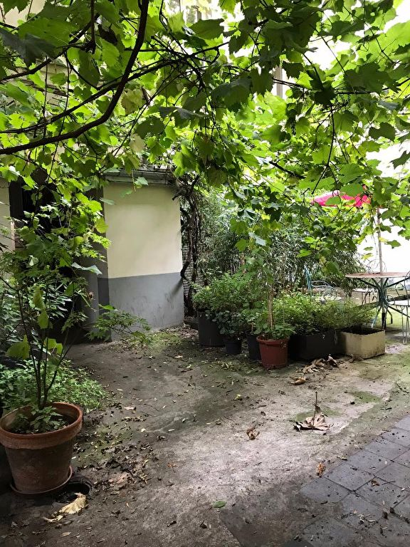 Unfurnished STUDIO – 15 m² – PARIS 18th 1