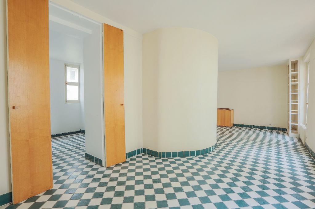 Rue Berthe 2 room (s) 40 m2 1