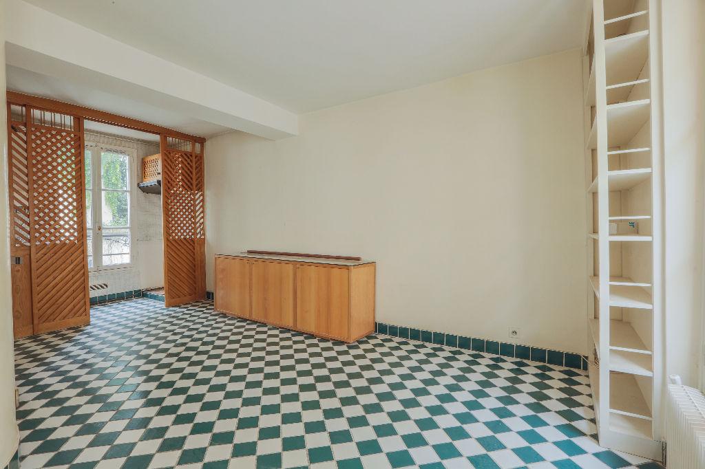 Rue Berthe 2 room (s) 40 m2 4