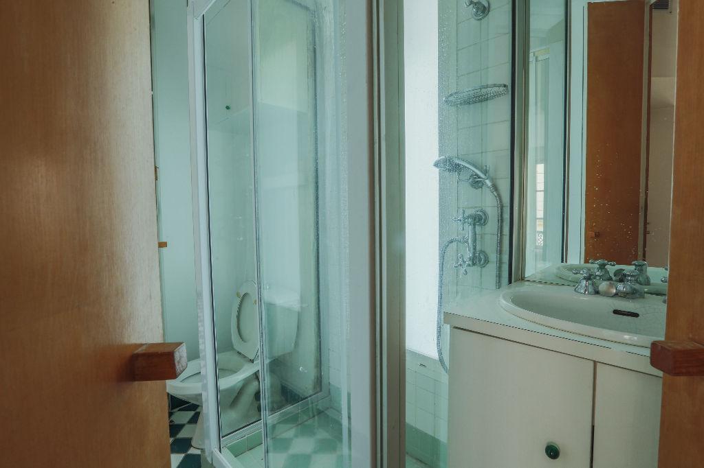 Rue Berthe 2 room (s) 40 m2 7