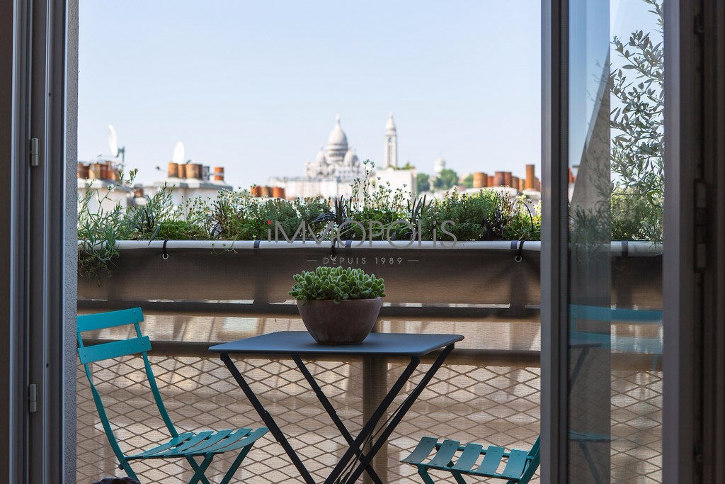 Exceptional apartment with Sacré-Coeur view 1