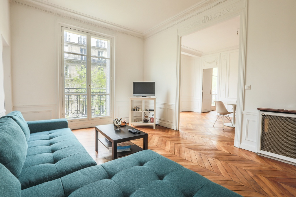 Rue Caulaincourt: Beautiful family apartment of 5 rooms 1