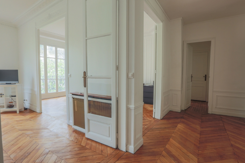 Rue Caulaincourt: Magnificent FAMILY apartment with 5 rooms 11