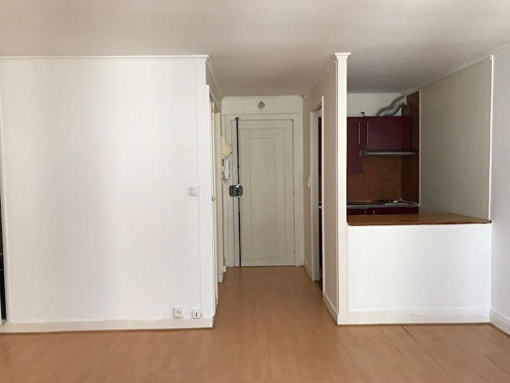 Studio non meublé  – 28 m² – Paris 18ème 3