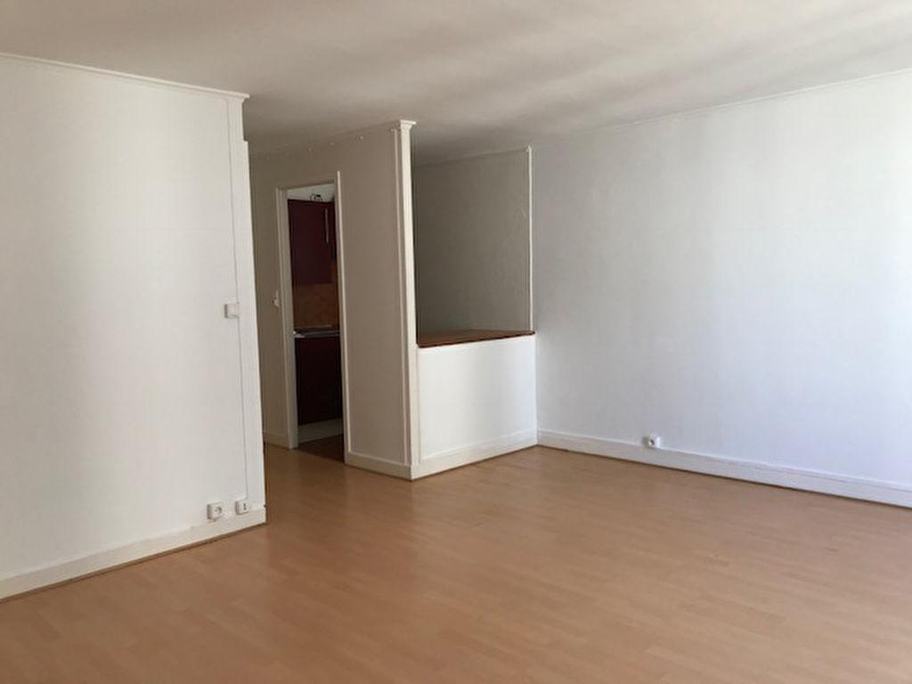 Studio non meublé  – 28 m² – Paris 18ème 4