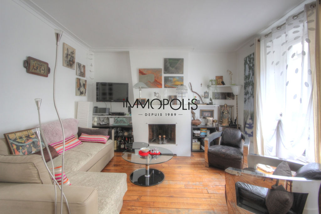Very nice 2/3 rooms in Abbesses, full of charm, perfect plan: to see! 5