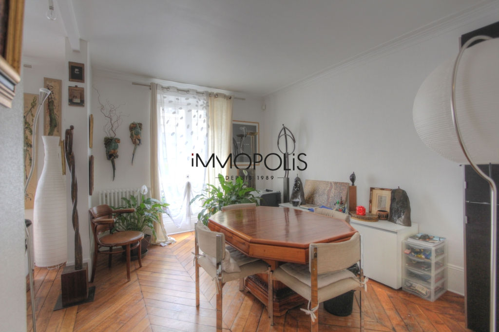 Very nice 2/3 rooms in Abbesses, full of charm, perfect plan: to see! 7