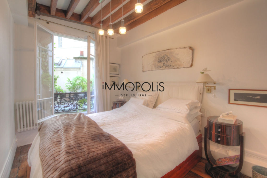 Very nice 2/3 rooms in Abbesses, full of charm, perfect plan: to see! 8