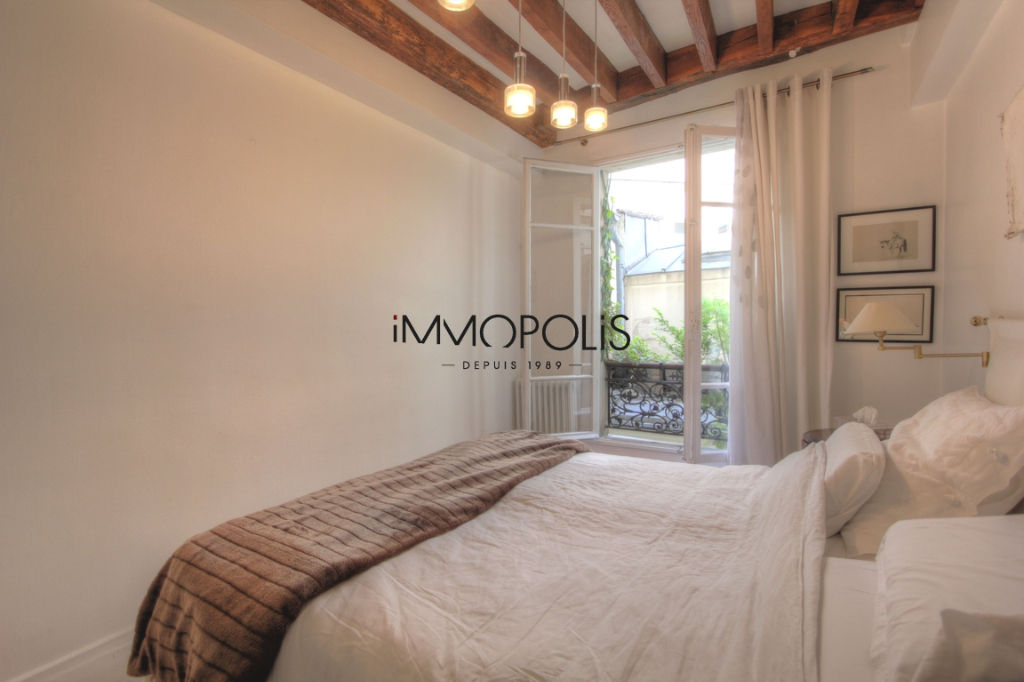 Very nice 2/3 rooms in Abbesses, full of charm, perfect plan: to see! 9