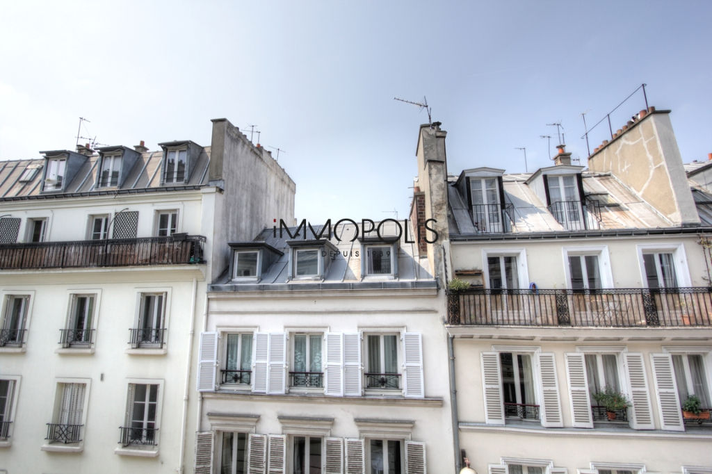 Exclusivity: beautiful 3 room apartment with a perfect plan, clear and calm, of 55.21 M² with little opposite! 2