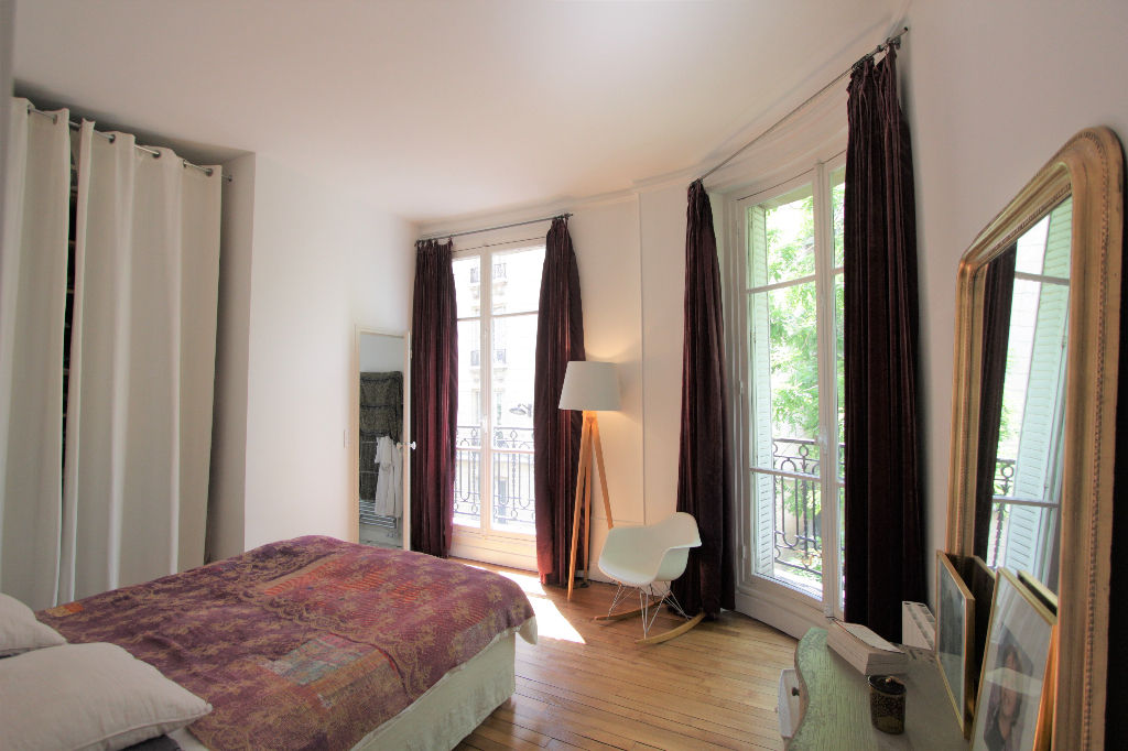 Rue Caulaincourt: Beautiful family apartment with 5 rooms 4