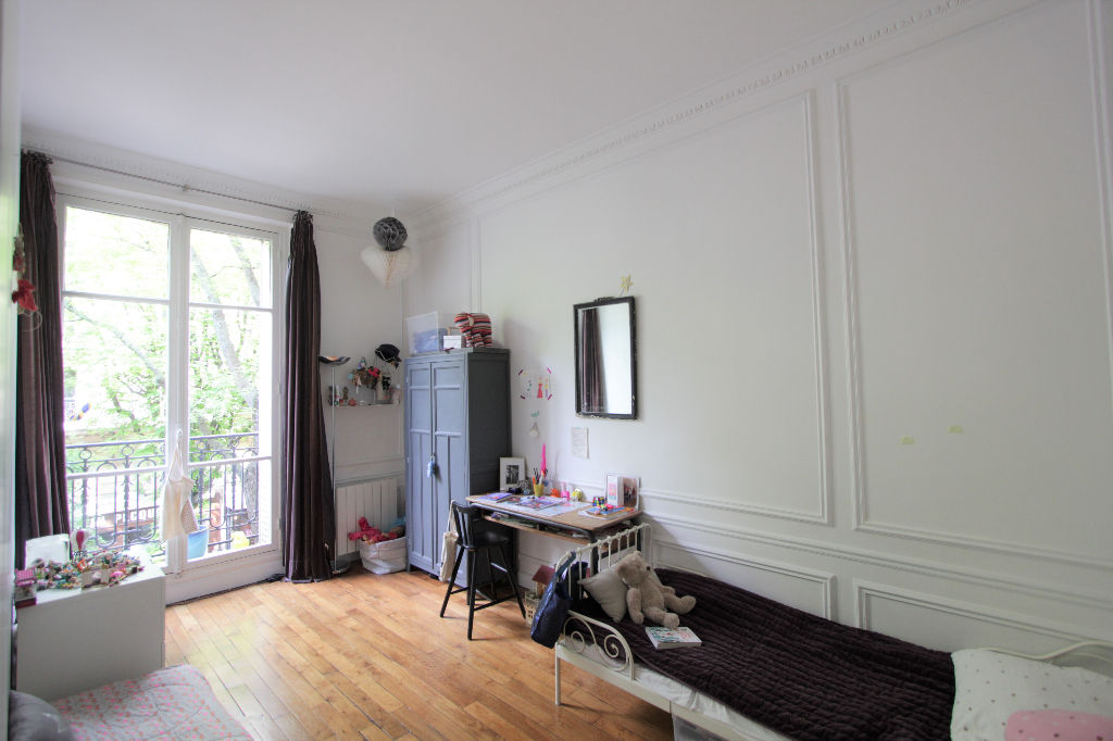 Rue Caulaincourt: Beautiful family apartment with 5 rooms 8