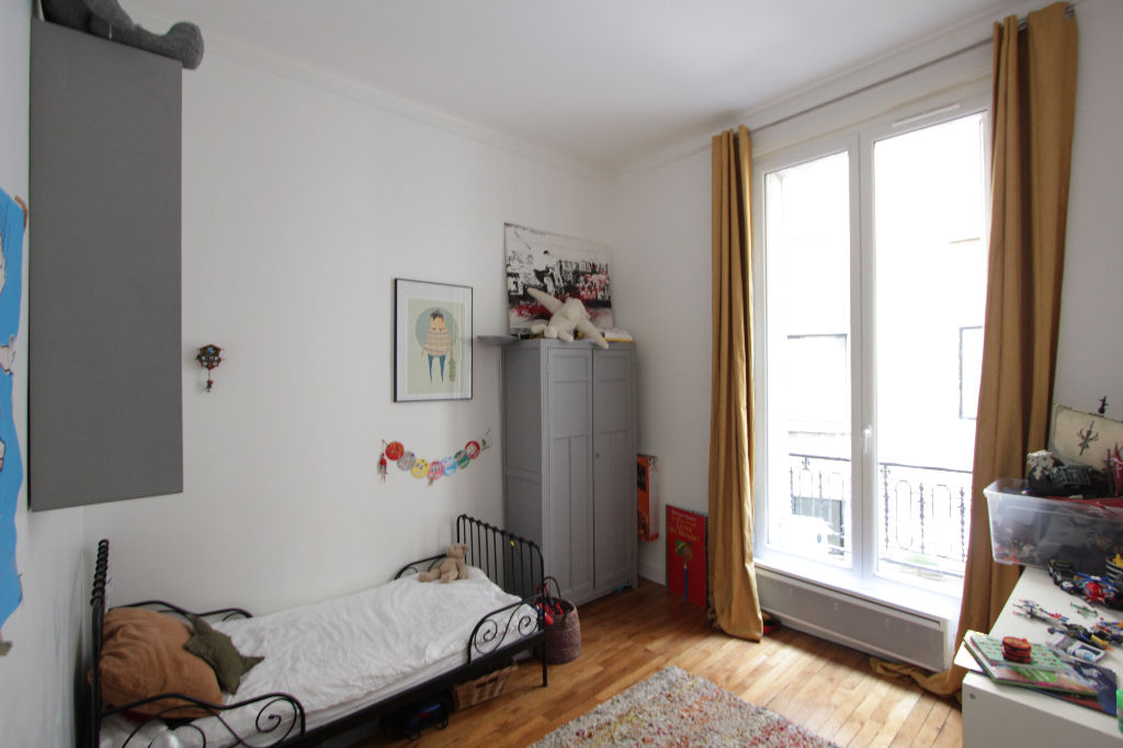 Rue Caulaincourt: Beautiful family apartment with 5 rooms 9