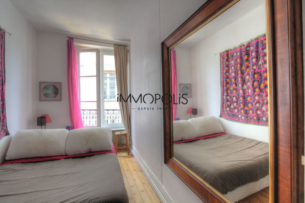 Charming 3 room apartment overlooking Montmartre pedestrian path 7