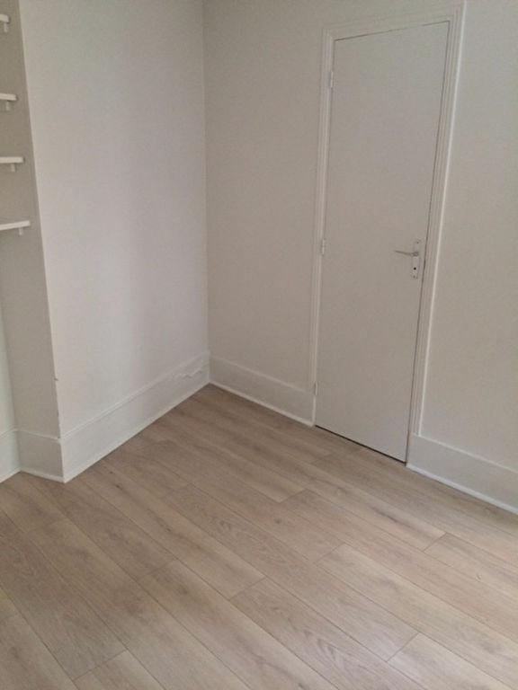 Apartment PARIS 18 – 1 empty room (s) – 15 m2 7