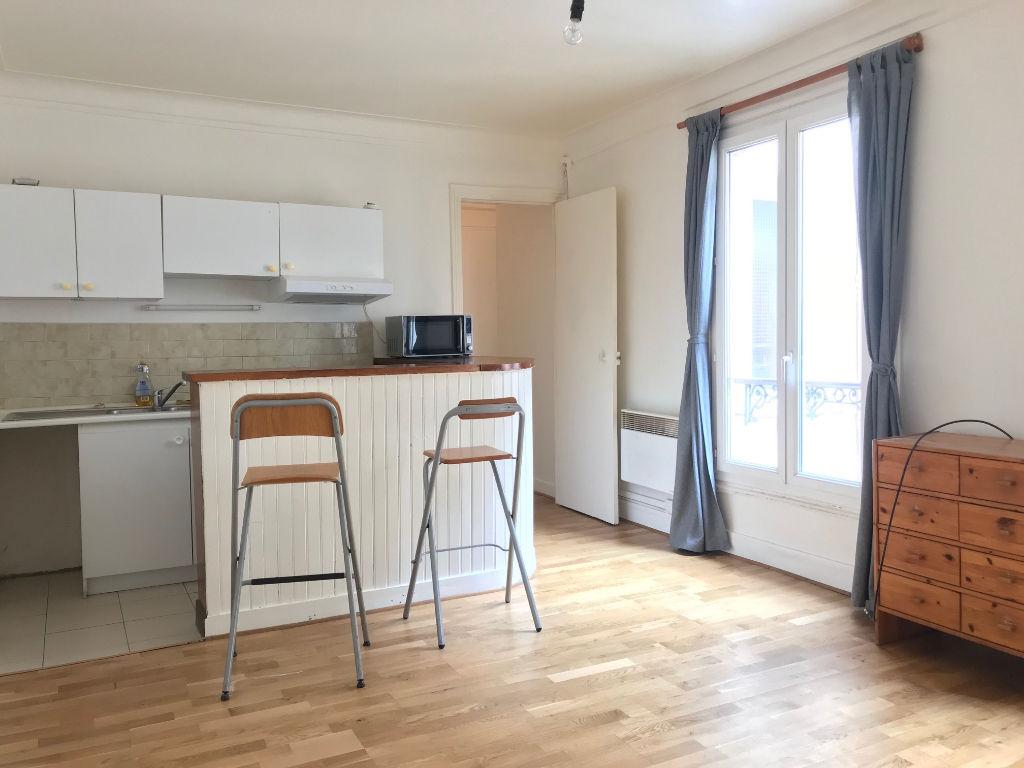 Furnished studio – Paris 18th – 30 m² 1