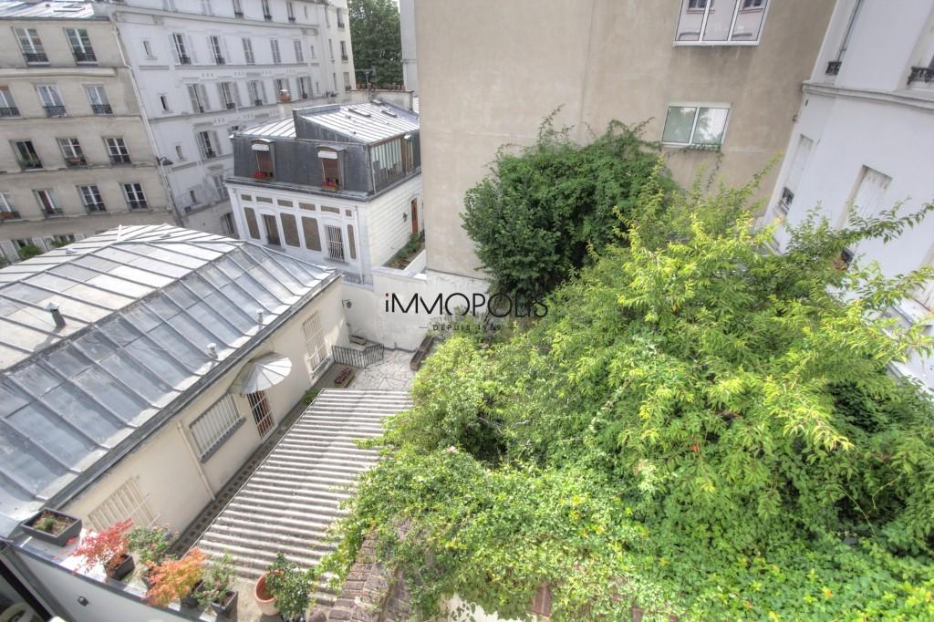 Beau 3 pièces avec partie atelier et vue dégagée à Montmartre ! Beau 3 pièces avec partie atelier et vue dégagée à Montmartre ! 2