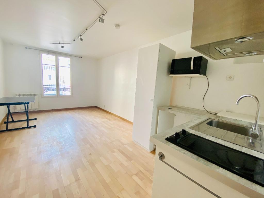 Studio non meublé – 22 m² – PARIS 18 ème 1