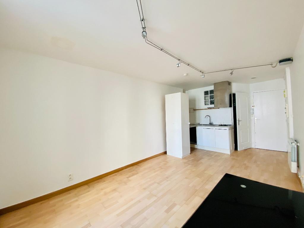 Studio non meublé – 22 m² – PARIS 18 ème 4