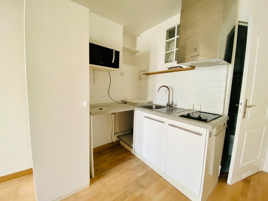 Non-furnished studio – 22 m² – Paris 18th 6