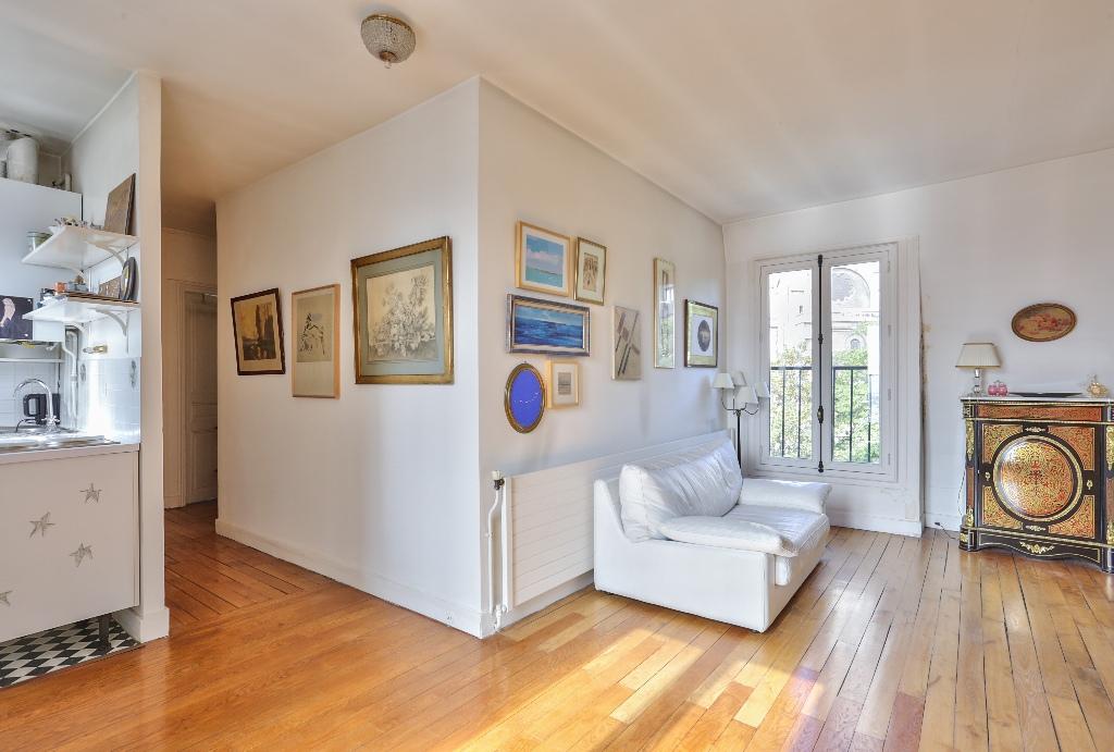 Paris – XVIII –  3 pièces de 44.20 m2 2