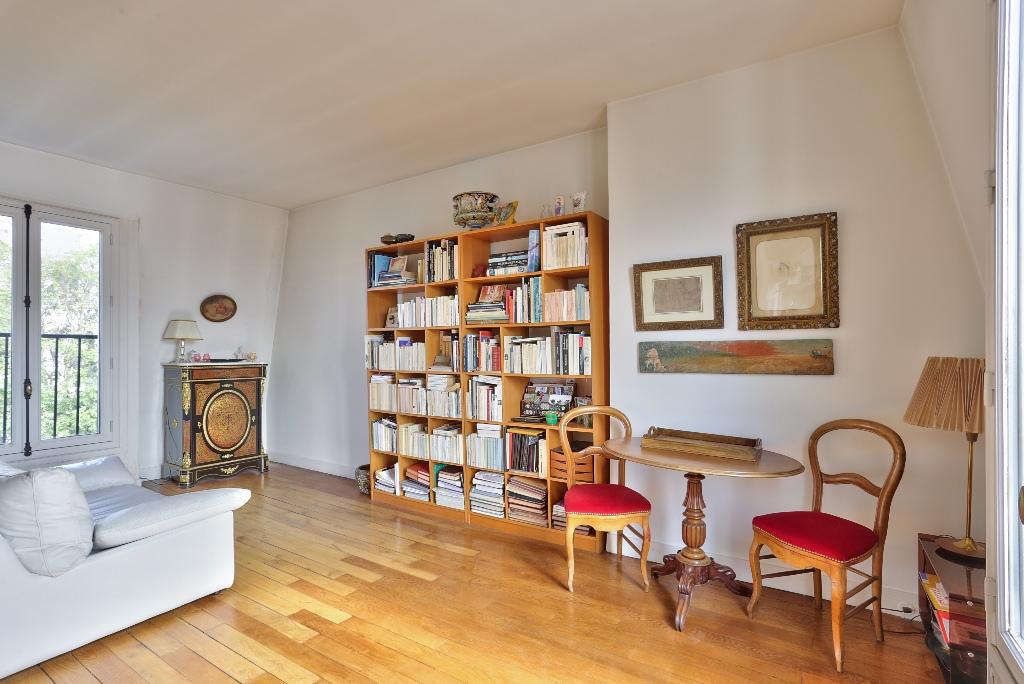 Paris – XVIII –  3 pièces de 44.20 m2 4