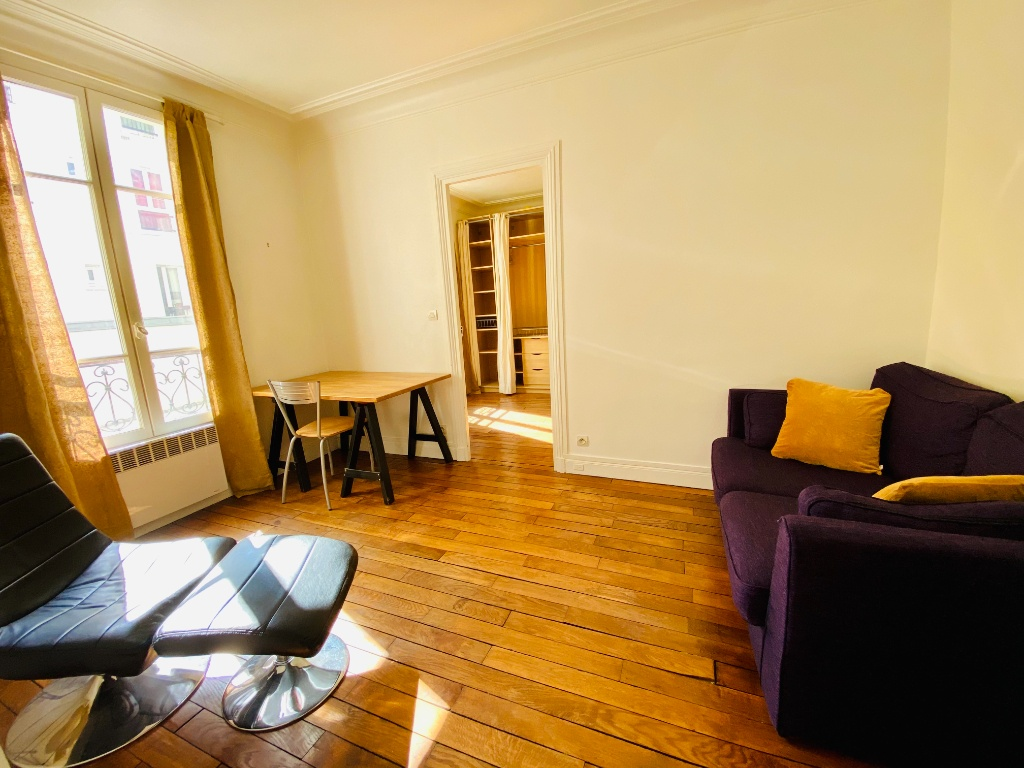 Appartement deux pièces meublé – MONTMARTRE 1