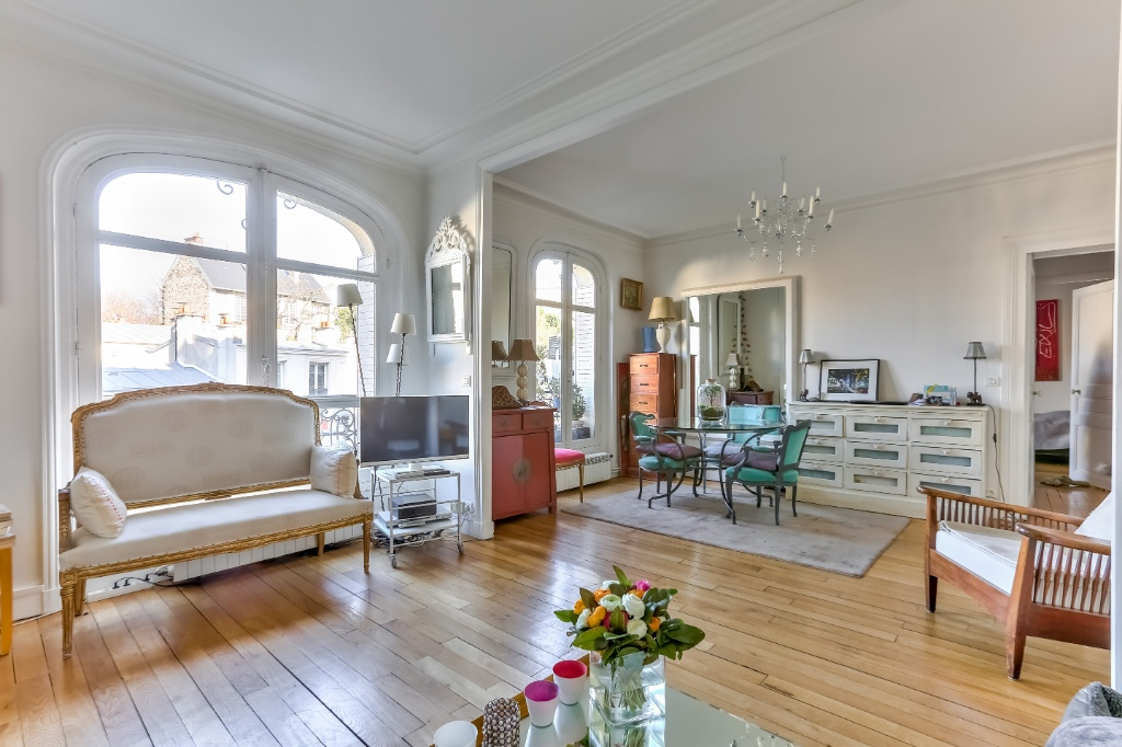 Haut Montmartre – Charming 3 room apartment with open view 1