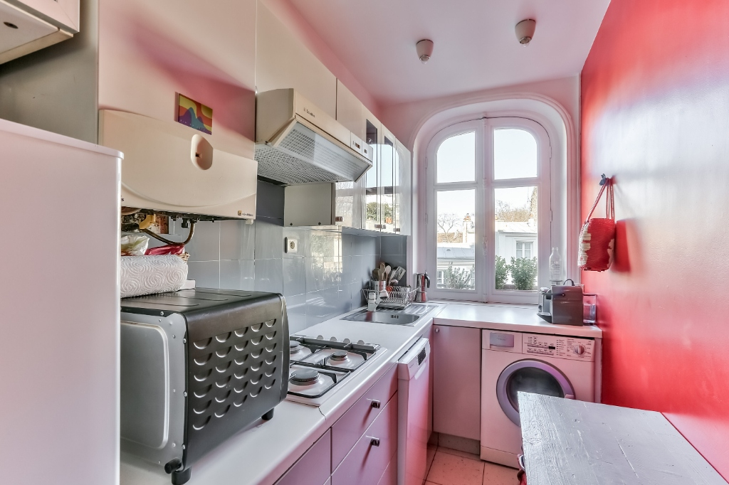 Haut Montmartre – Charming 3 room apartment with open view 4