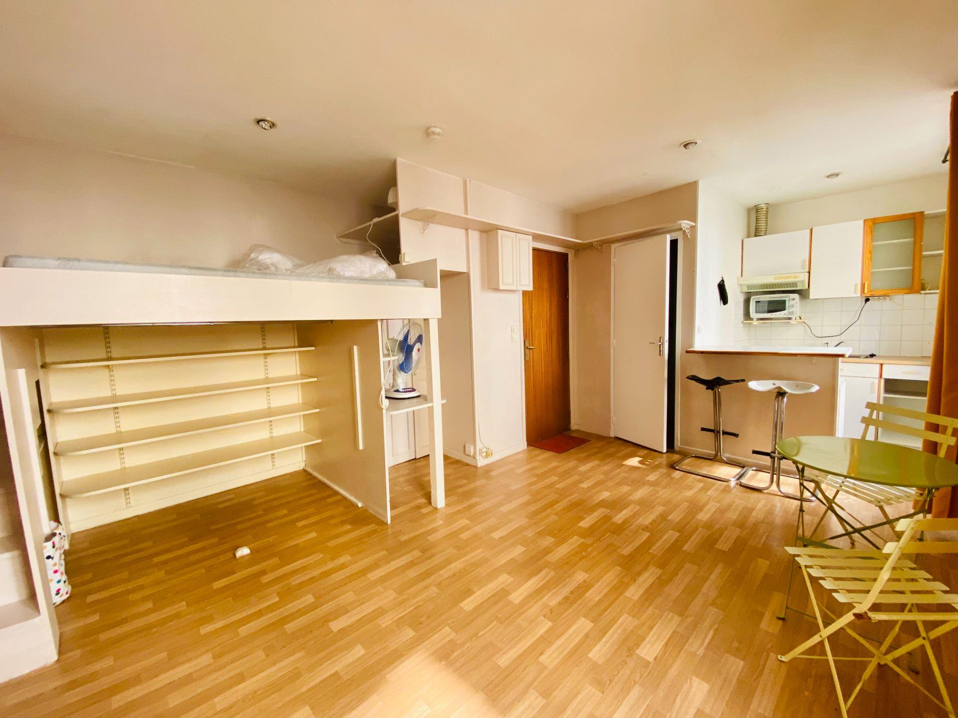 Appartement Montmartre  1 pièce(s) 21.32 m2 1