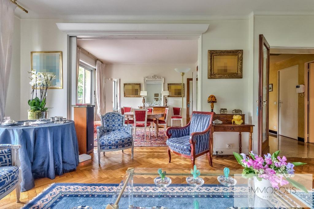 Prestigious apartment with open views of the Eiffel Tower – Paris XVI – Trocadero 2