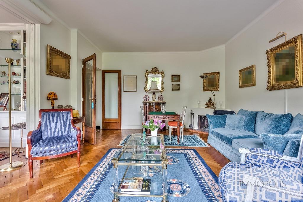Prestigious apartment with open views of the Eiffel Tower – Paris XVI – Trocadero 3