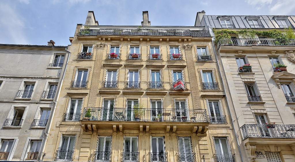 Bright apartment in the heart of ABBESSES – Paris XVIII 6