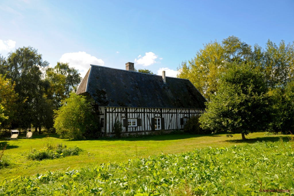 17th century property for sale in Ecaquelon 1